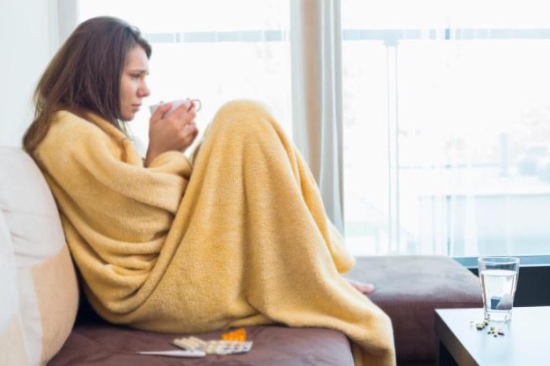 คุณจะจัดการกับความหนาวเย็นและไข้หวัดของตนเองได้อย่างไร?